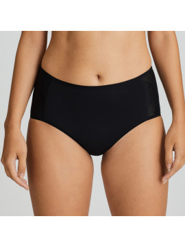 Prima Donna The Game Sports Brief